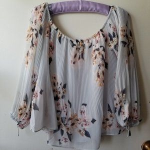 White Tied Long Sleeves Pleated Top Size M